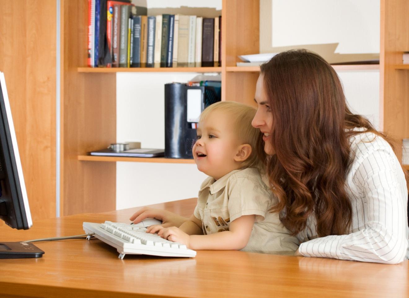 Фото работающей мамы с ребенком